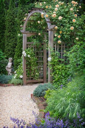 Everett Garden Designs arbor