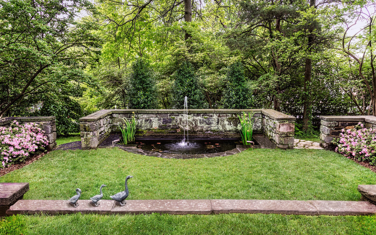 Fountain with duck accents