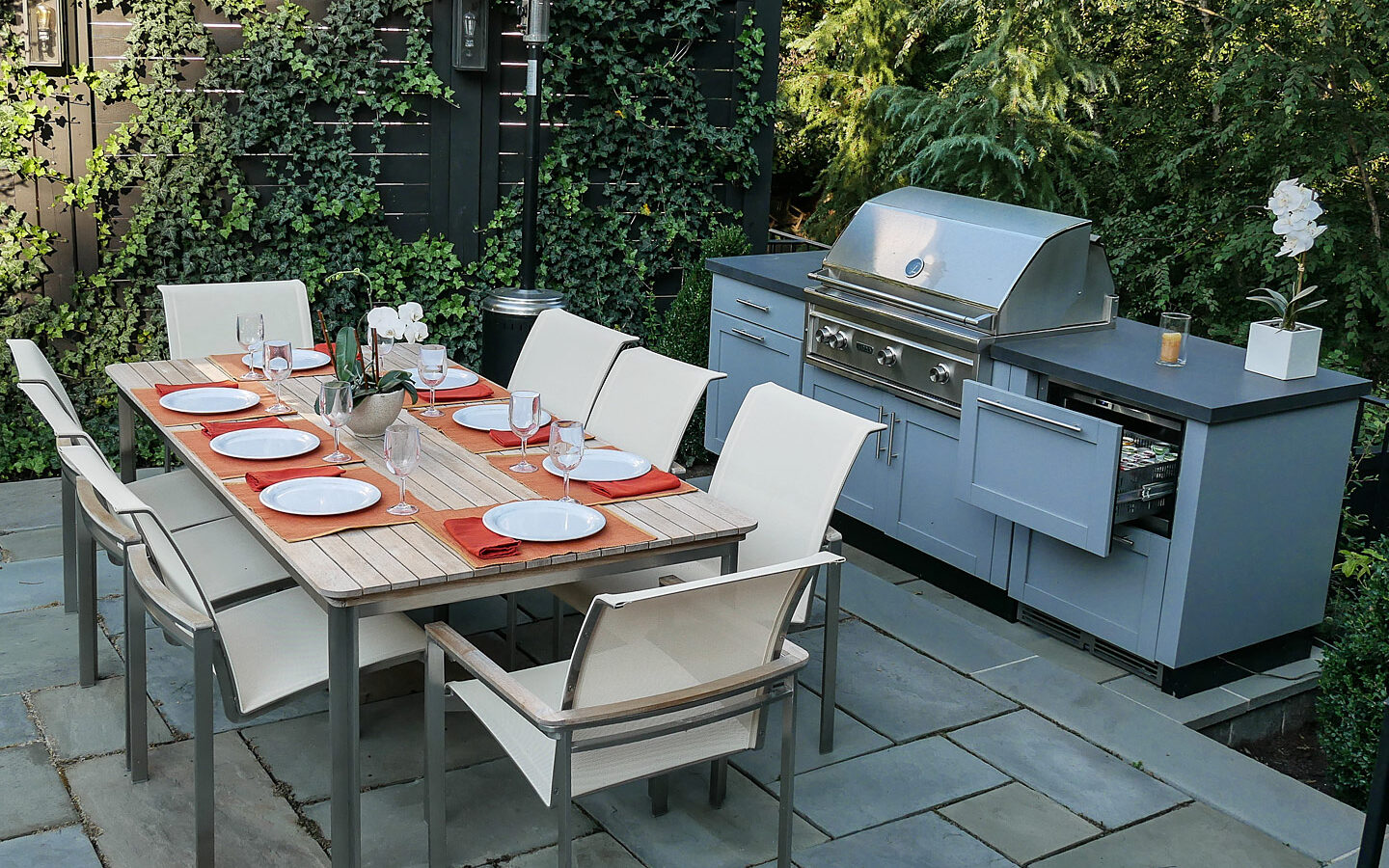 Outdoor dining, grill and kitchen